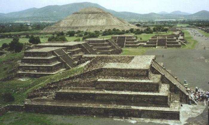 Хамгийн ер бусын пирамидууд