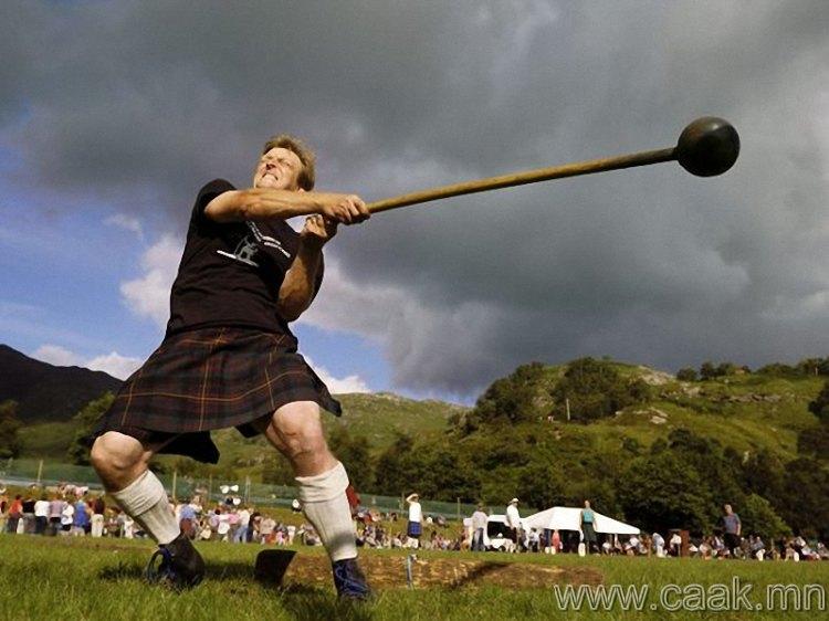 Шотландын уулан дахь тэмцээн.