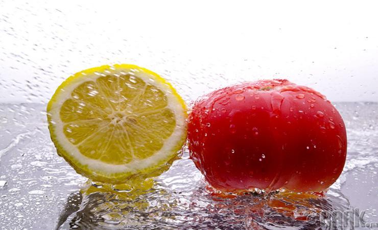 Лимон болон Улаан лооль