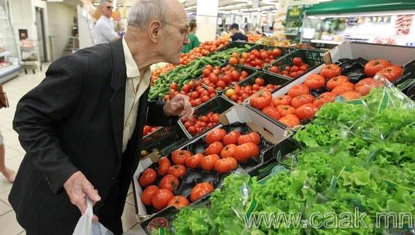 Тавиур дээр буй жимс болон хүнсний ногоог байнга чийгшүүлж байдаг