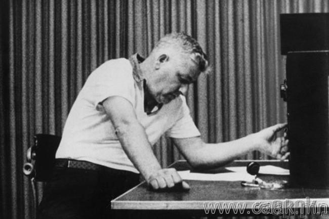 """Milgram""-ийн туршилт (1974)"
