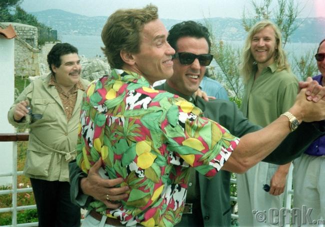 Силвистер Сталлион, Арнольд Шварцнейггер нар 1990 оны Каннын кино наадмын үеэр