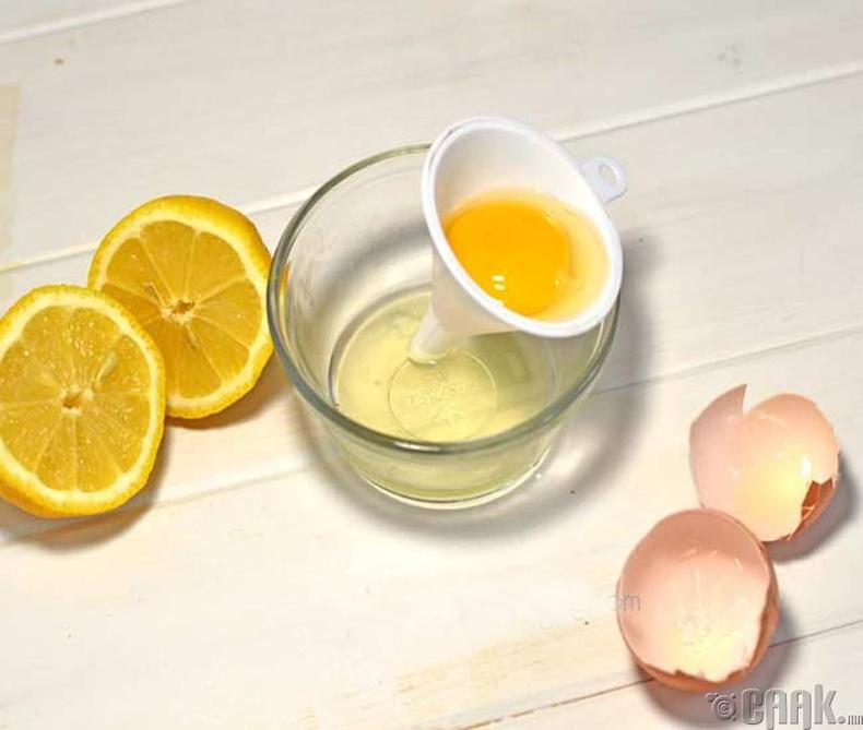 Өндөгний цагаан болон нимбэгний шүүс