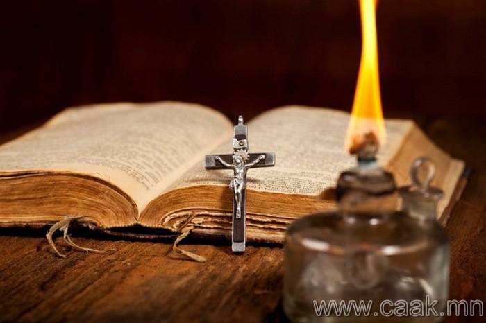 Бэлгэвч ба католик шашинтнууд