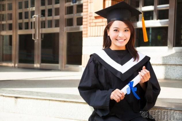 Боловсролтой эмэгтэй хүн нөхөрт гарах нь хэцүү