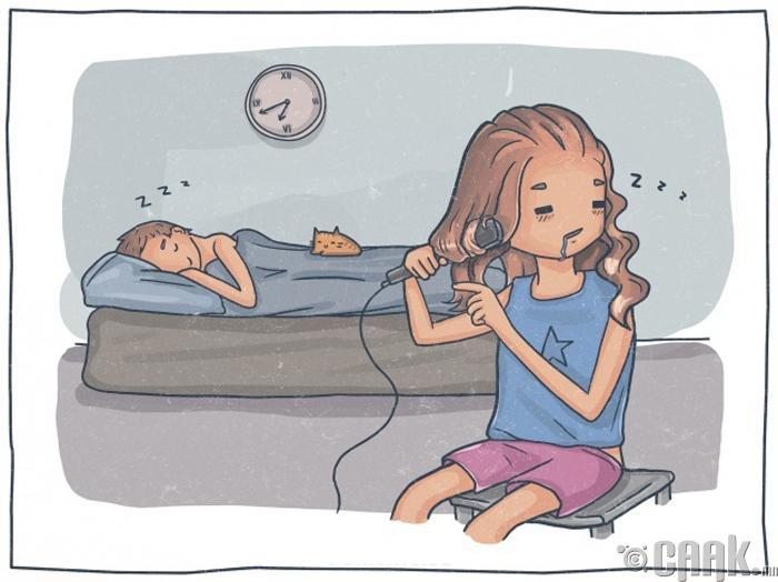 Өглөөний нойроо хугаслан байж, үс зүсээ янзална