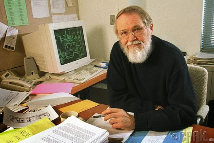 Брайан Керниган (Brian Kernighan)