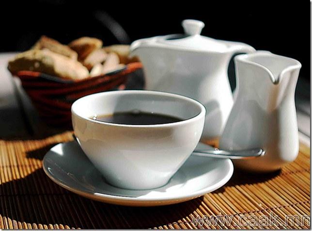 Японд нэг аяга кофе маш үнэтэй.