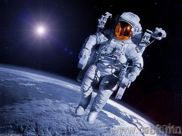 Сансарт таталцах хүч байхгүй.