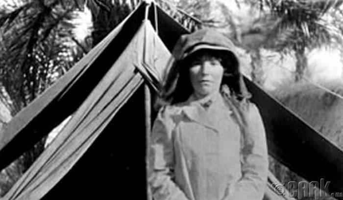 Гертруд Белл (Gertrude Bell)