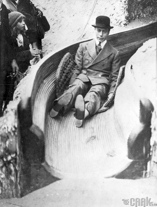 Английн VI Жорж хаан, 1925 он