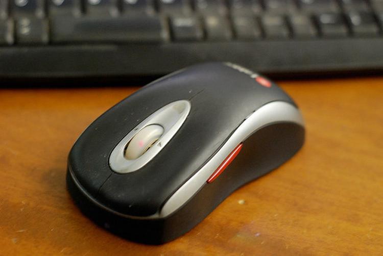 Баруун гартай хүмүүст зориулсан компьютерийн хулгана
