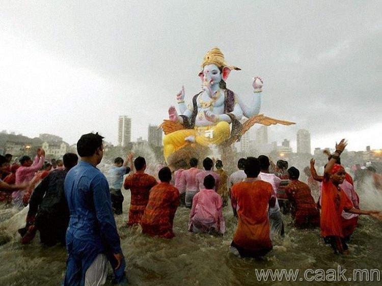 Энэтхэгийн Ganesh наадам.