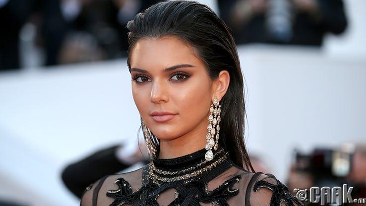 18 сая ам.долларын хөрөнгөтэй Кендалл Женнер (Kendall Jenner)