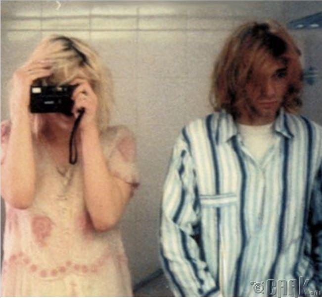 Курт Кобейн, Кэтти нар угаалгын өрөөндөө, 1992 он