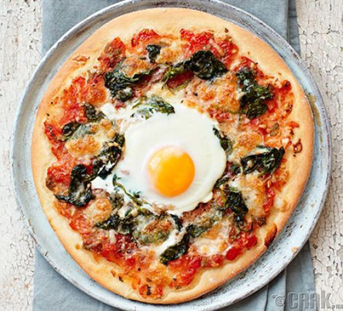 Өндөгтэй пицца