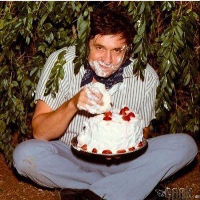 Жонни Каш бялуу идэж байна, 1971 он