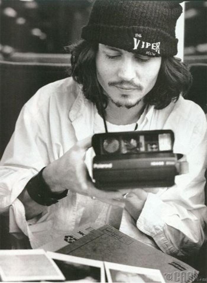 """""""Хөрөг зураг сонирхогч"""" Жонни Депп (Johnny Depp)"""