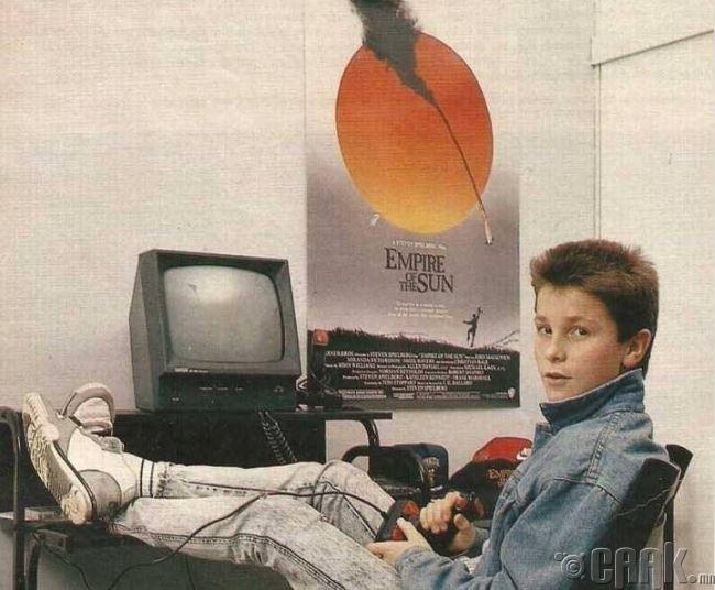 Кристиан Бэйл өсвөр насандаа, 1980-аад он