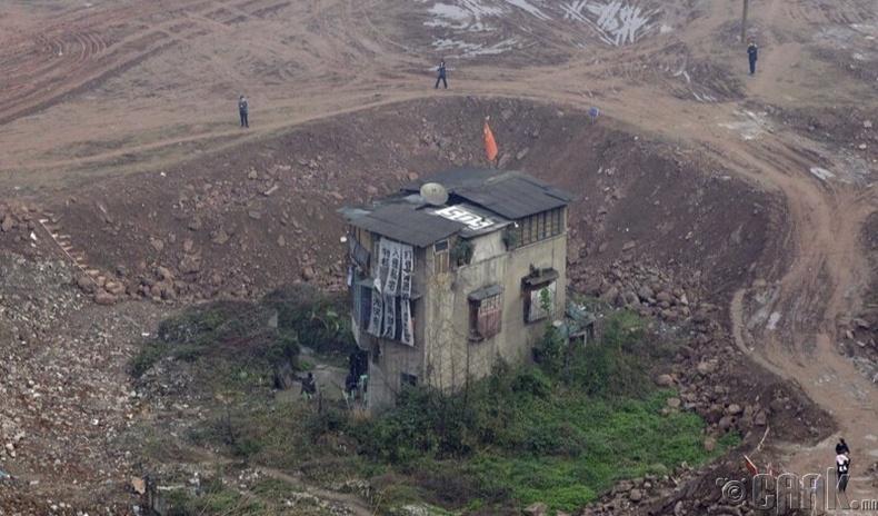 Газар чөлөөлөхөөс татгалзсан хятад айлуудад юу тохиолддог вэ?