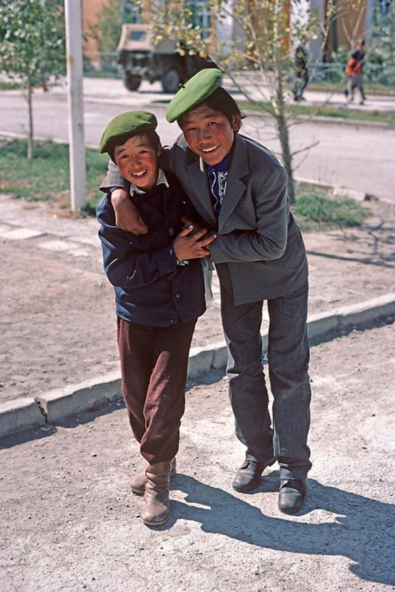 """""""Найзууд"""", Алтай хот, 1982"""