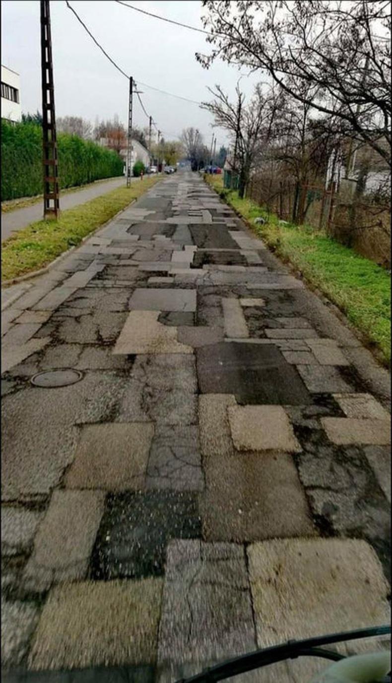 Дэлхийн хамгийн олон нөхөөстэй зам, Унгар
