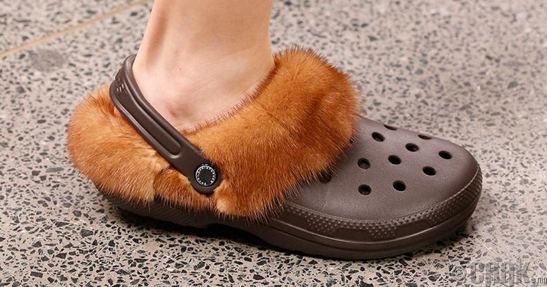 Үслэг Crocs углааш
