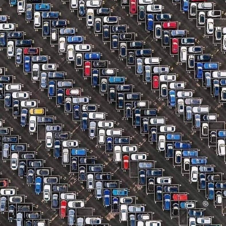 Германы Франкфурт дахь авто зогсоол