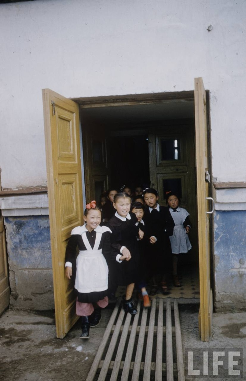 1-р сургуулийн сурагчид - 1956
