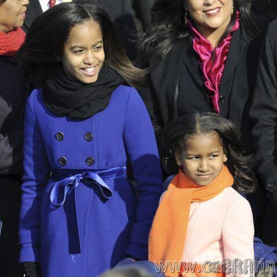 Малия болон Саша Обама