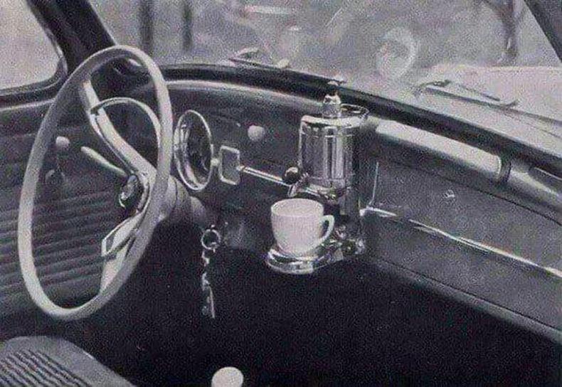 1959 оны Вольксвагений машинууд кофе чанагчтай байдаг байв