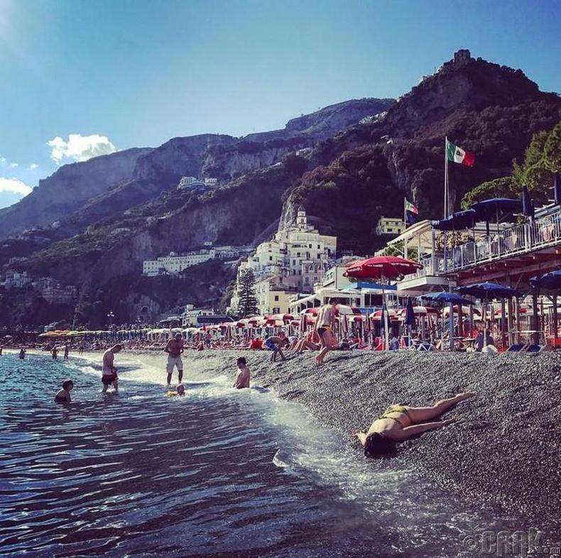 Амальфи наран шарлагын газар, Итали