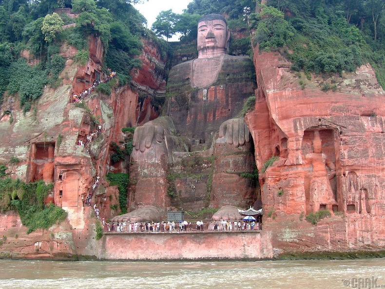 """Leshan Buddha"" аварга хөшөө"