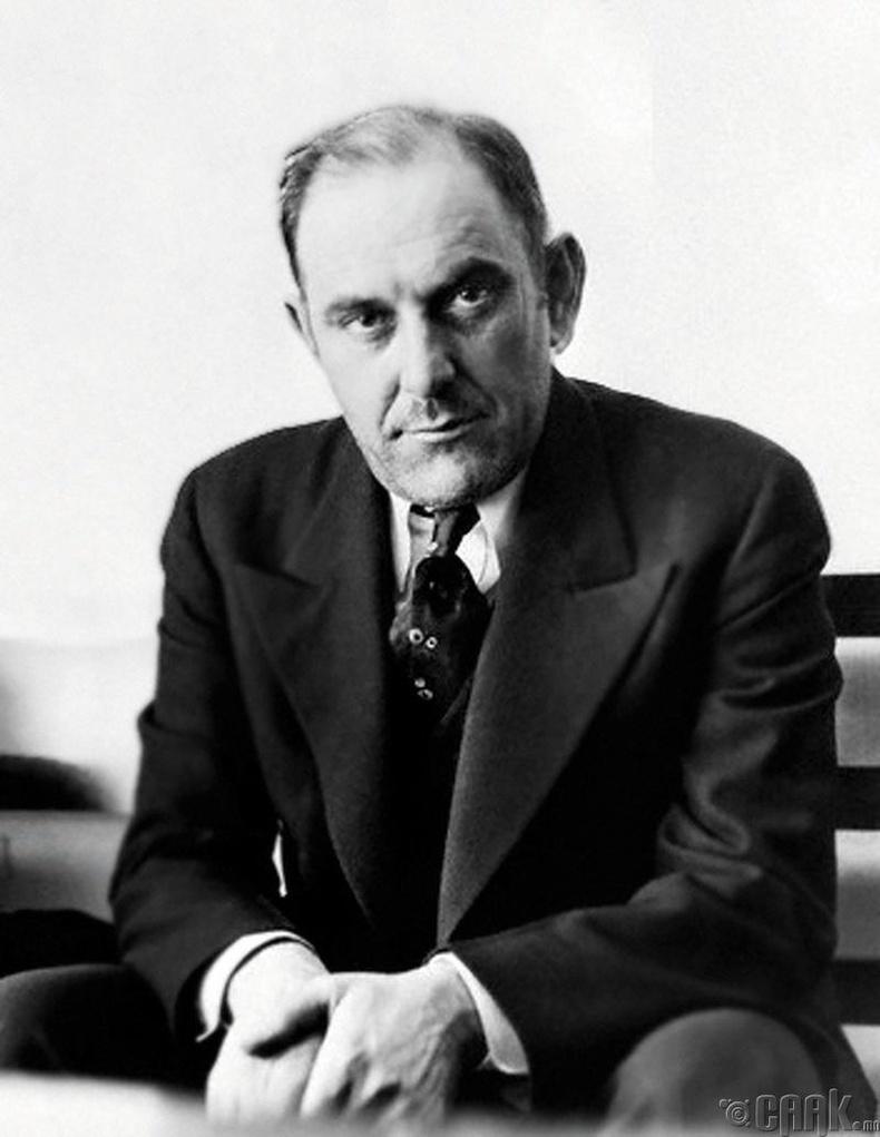 Виктор Люстиг