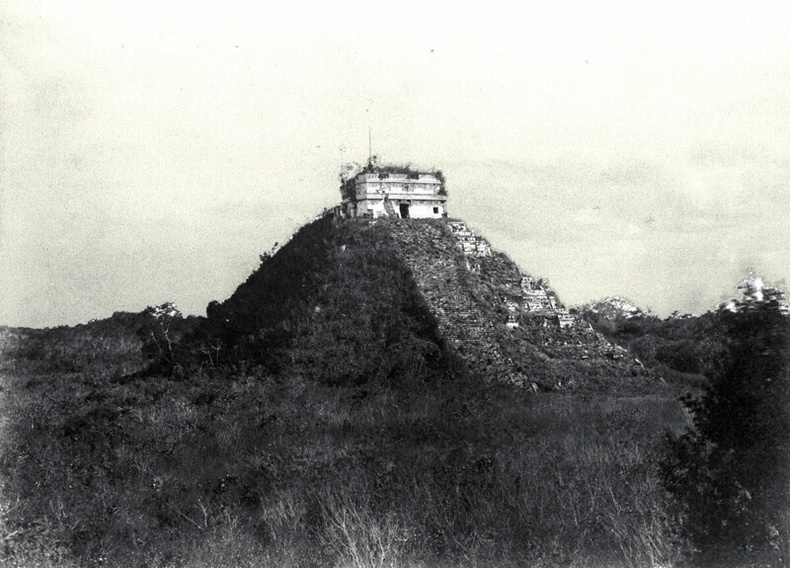 """""""El Castillo"""" пирамид, 1892 онд"""