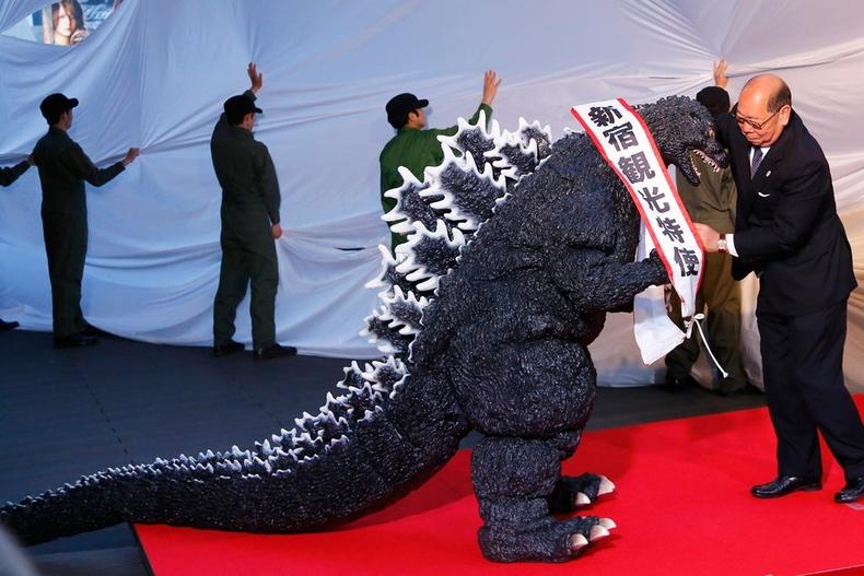2015 онд Годзилла албан ёсоор Япон улсын иргэн болжээ