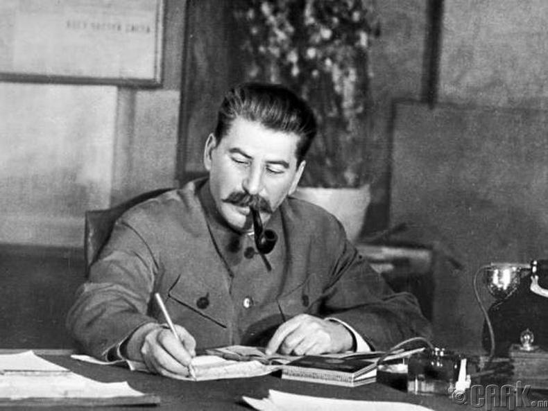 Иосиф Сталин (Joseph Stalin)
