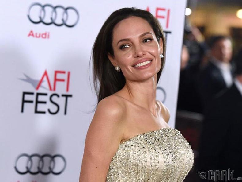 Жүжигчин Анжелена Жолие (Angelina Jolie)