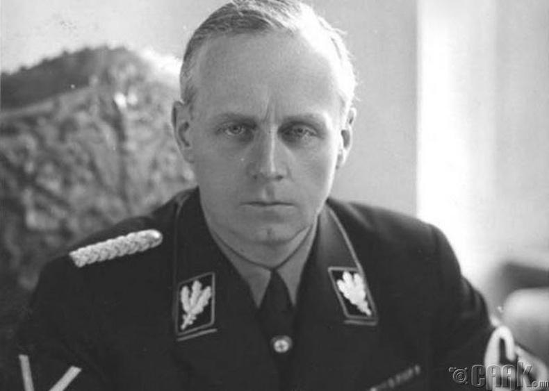 Гитлер Иоахим фон Риббентропоор дайралт хийлгүүлсэн үү?