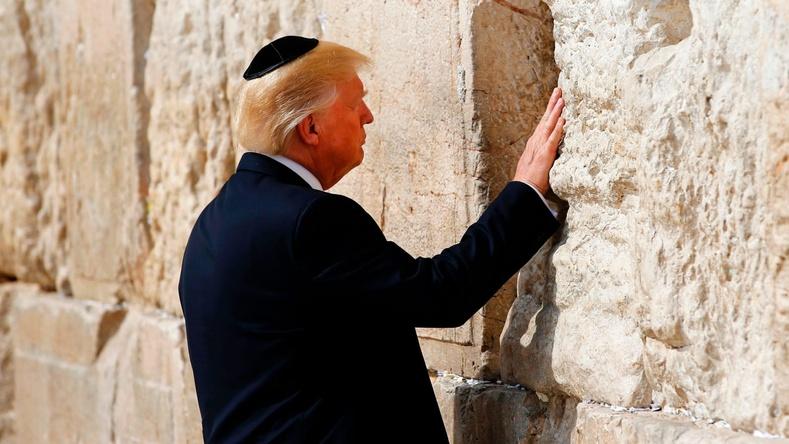 Израильд хийх айлчлалынхаа үеэр алдарт Иерусалемын баруун хэрэмд зочлов (2017.5.22)