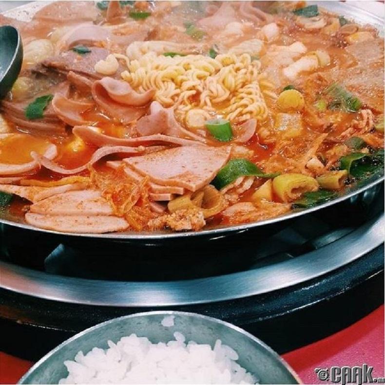 Солонгос хоол бага зэрэг өөр байж болно