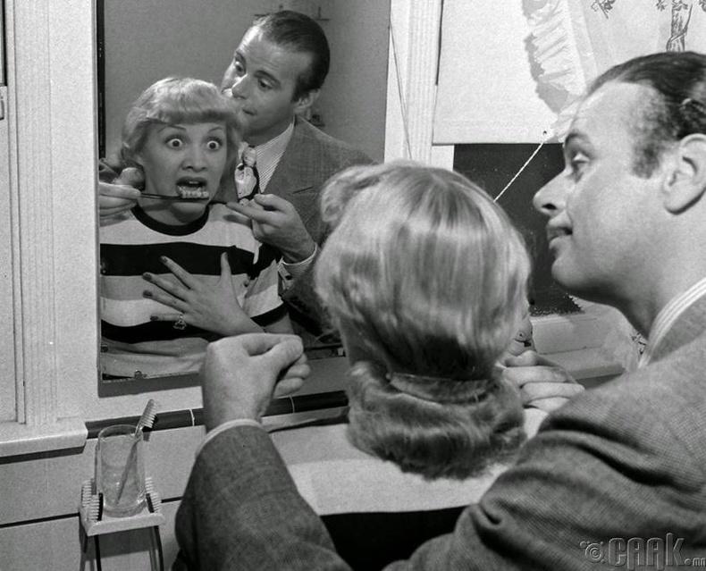 Жинхэнэ шүд шиг хэлбэртэй сойз, 1941 он