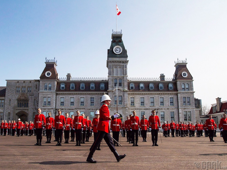 Канадын эзэн хааны батлан хамгаалахын коллеж