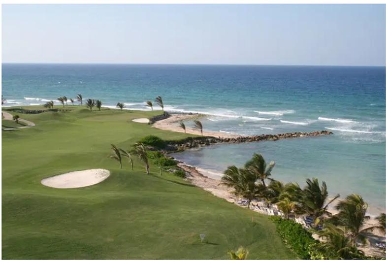 """Дэлхийн цөмбөрцгийн баруун тал дахь хамгийн эртний гольфийн клуб  """"Manchester Golf Club""""  Ямайк улсад бий. Тус клуб нь анх 1868 онд байгуулагдсан юм"""