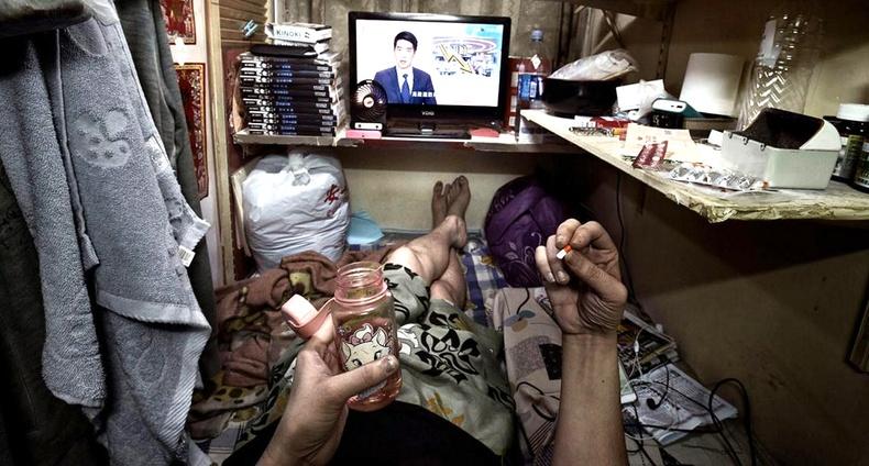 Хонконгийн ядуу иргэд 1.5 м² орон сууцандаа хэрхэн амьдардаг вэ?