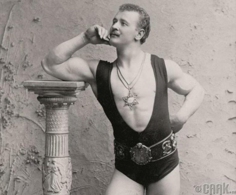 """""""Бөх, тамирчин"""" - 1900 он"""
