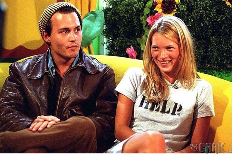 "Кейт Мосс, Жонни Депп (Kate Moss, Johnny Depp) нар ""Big Breakfast"" киноны зураг авалтын үеэр, 1995 он"