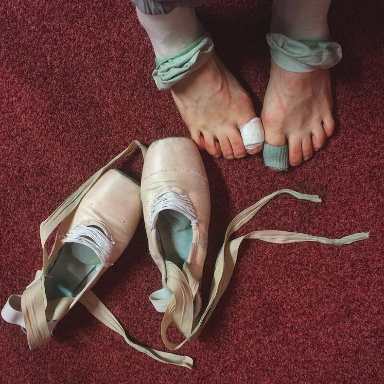 Балетчины нүцгэн хөл ямар харагддаг вэ?