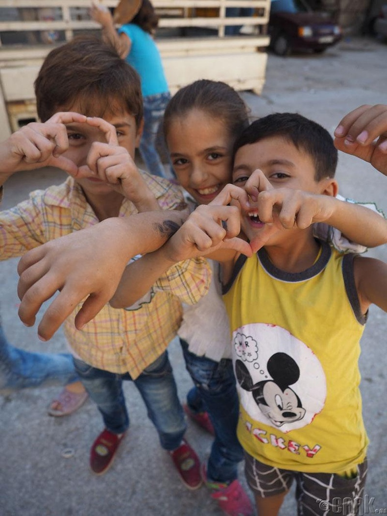 Зүүн Алеппо дахь хүүхдүүд