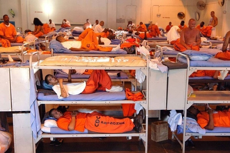 Калифорнийн нэгэн шорон, Америк